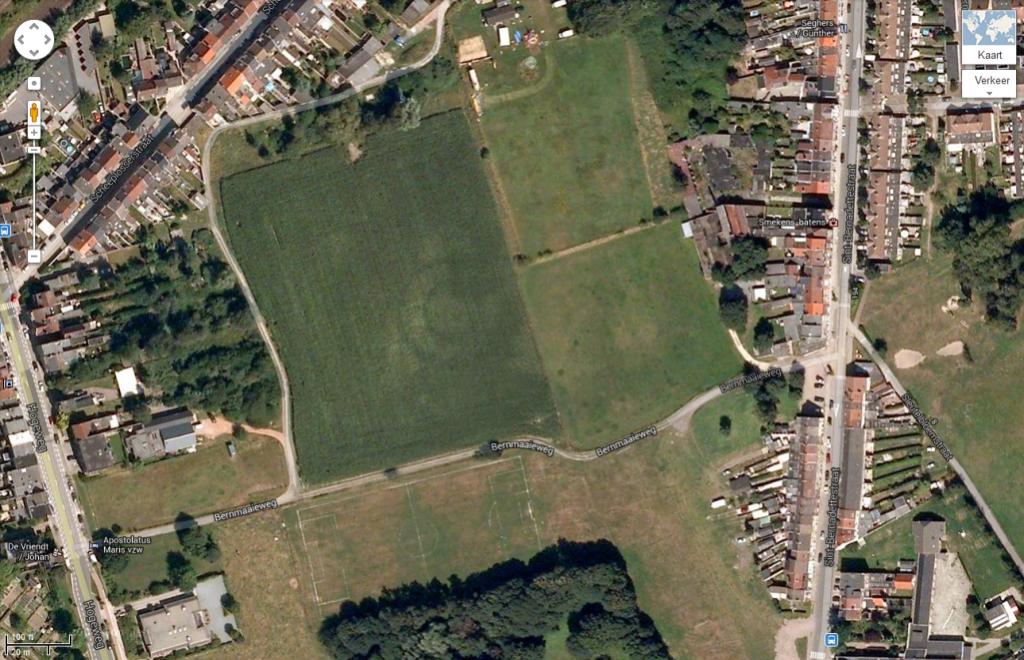 Fig. 1 Overzicht onderzoeksgebied Hogeweg te Gent. In het midden is de dubbele kringgreppel zichtbaar (bron: maps.google.com).